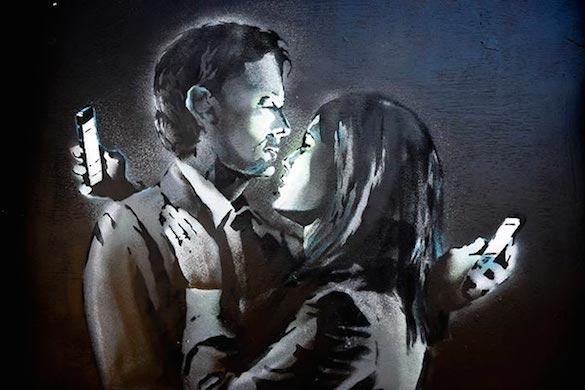 banksy-mobile-lovers